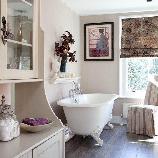 English Country Bathroom Designs: Fresh In The Country